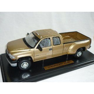 Chevrolet Chevy Silverado 3500 Gold Pick up 1/18 Anson Modellauto